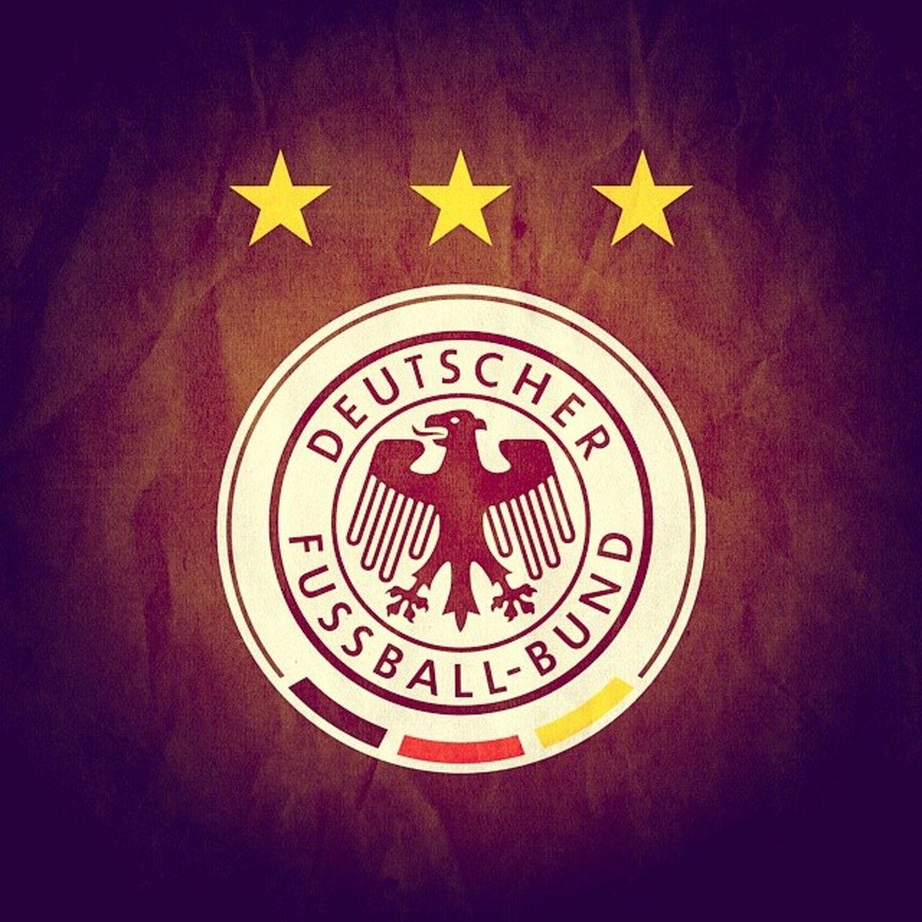 DFB AneurerSeite SternNrVier Auf geht's und den Krug holen... Heute Abend die Polen als kleines Stelldichein und danach wird nur noch gewonnen verstanden? :)