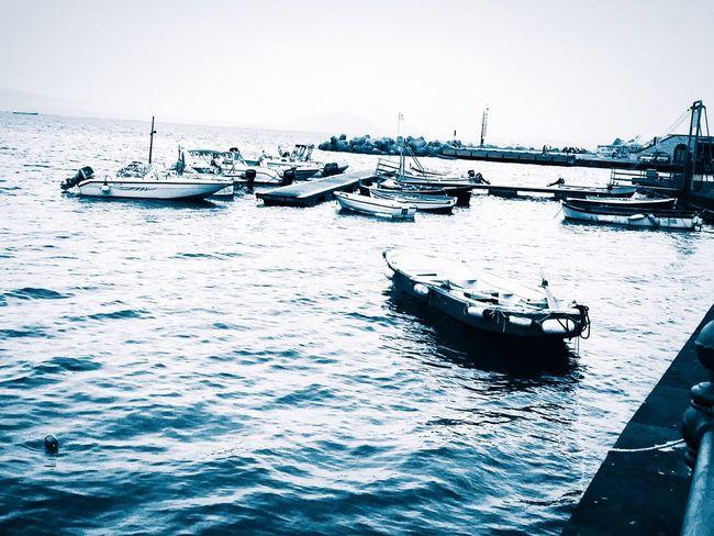 Un mare in autunno.. 🍂 Italy❤️ Napoliphotoproject Napoli_foto Napolidavivere Napoli ❤ Naples Naples🌊💙 Naplesbeach