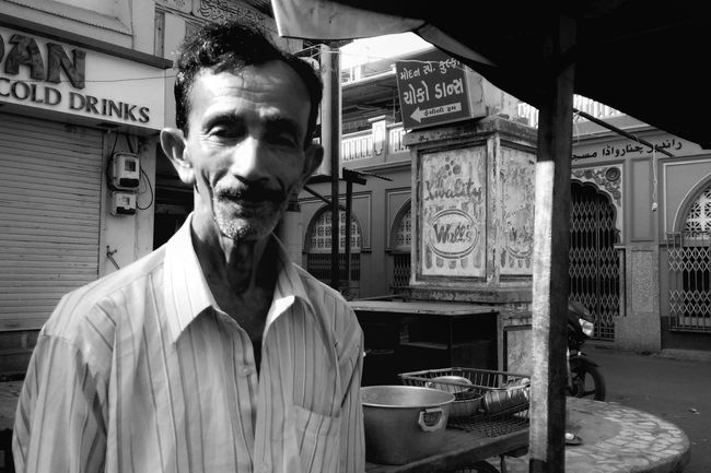 Portrait Streetportrait Streetphotography Streetphoto_bw Street Life Streetphoto Streetphotographer Photographers_of_india Mobile Streetphotography Shootermag Mobile Photography Street Portraits Street Photo Mobilemag Indiapictures Incredible India Shadows & Lights India Sunlight Early Morning City Life EyeEm Best Shots Natural Light India_gram Indianphotography
