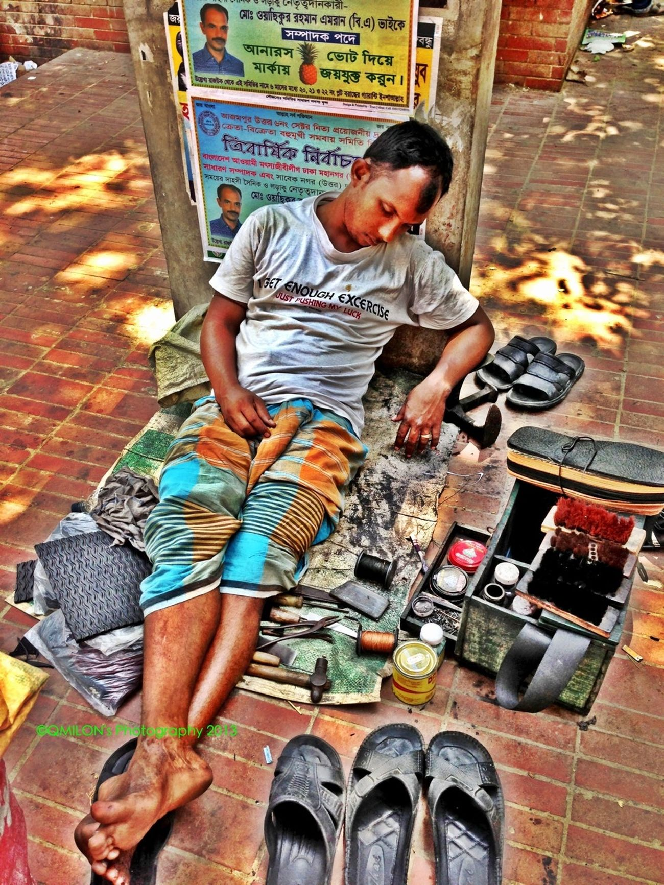 #Shoemaker #2013 #qmilon #iphonephotography #Weiriness #CapturedMoment #HDR #HdrCreators Weariness #Shoemaker #2013 #qmilon #iphonephotography #streetphotography #CapturedMoment #HDR #HdrCreators