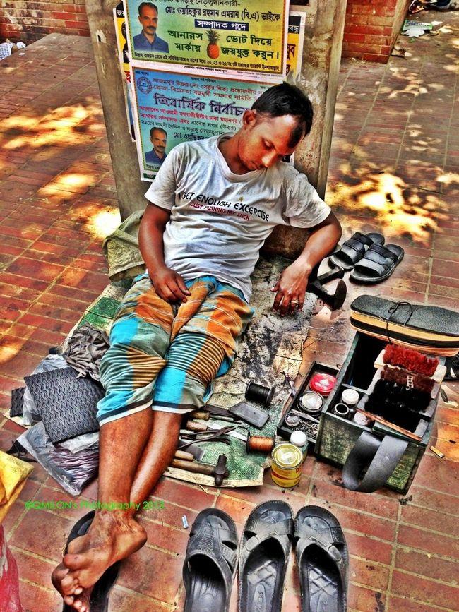 #Shoemaker #2013 #qmilon #iphonephotography #Weiriness #CapturedMoment #HDR #HdrCreators Weariness #Shoemaker #2013 #qmilon #iphonephotography #streetphotography #CapturedMoment #HDR #HdrCreators