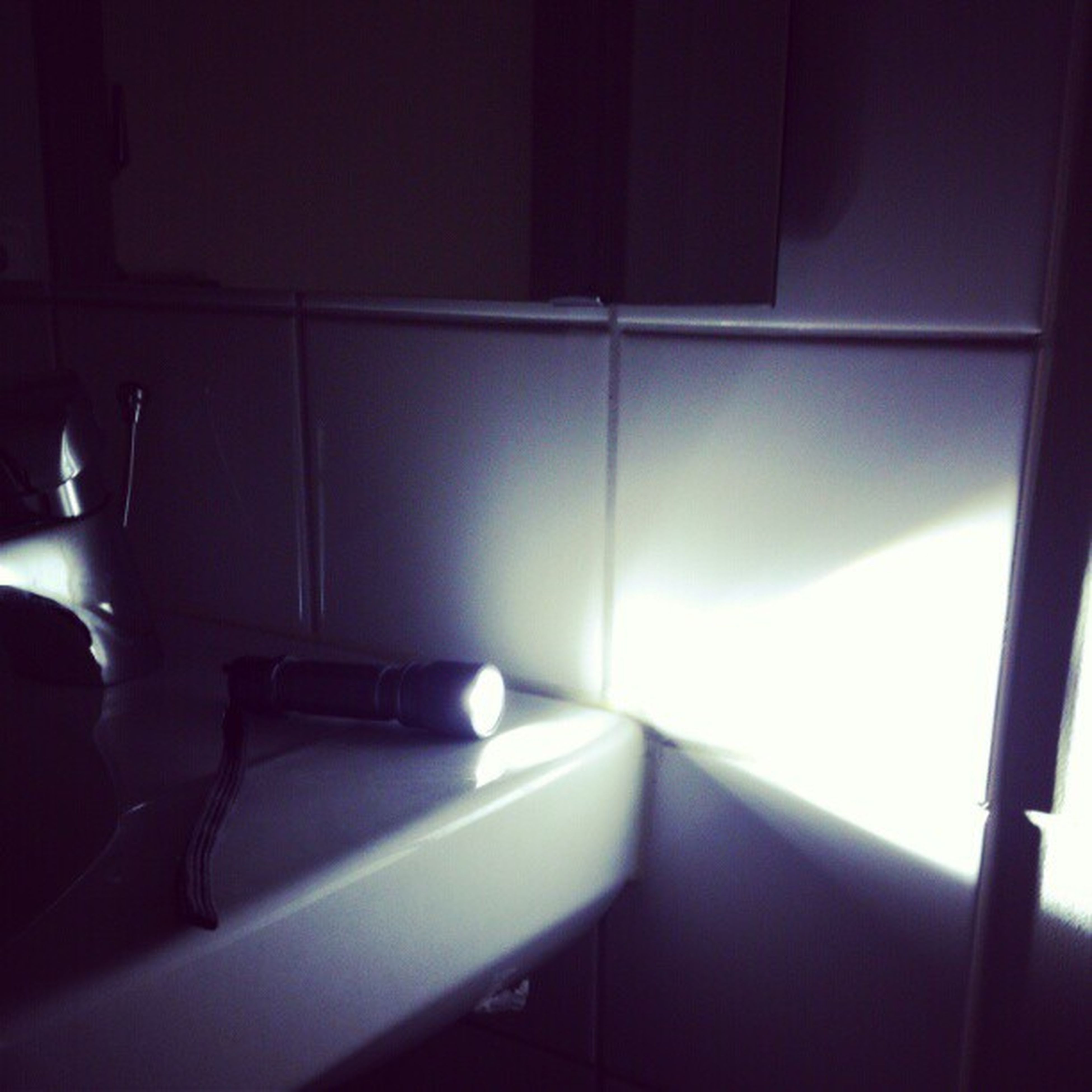 indoors, illuminated, home interior, absence, lighting equipment, empty, interior, window, domestic room, wall - building feature, room, no people, light - natural phenomenon, bathroom, chair, wall, flooring, reflection, sunlight, ceiling