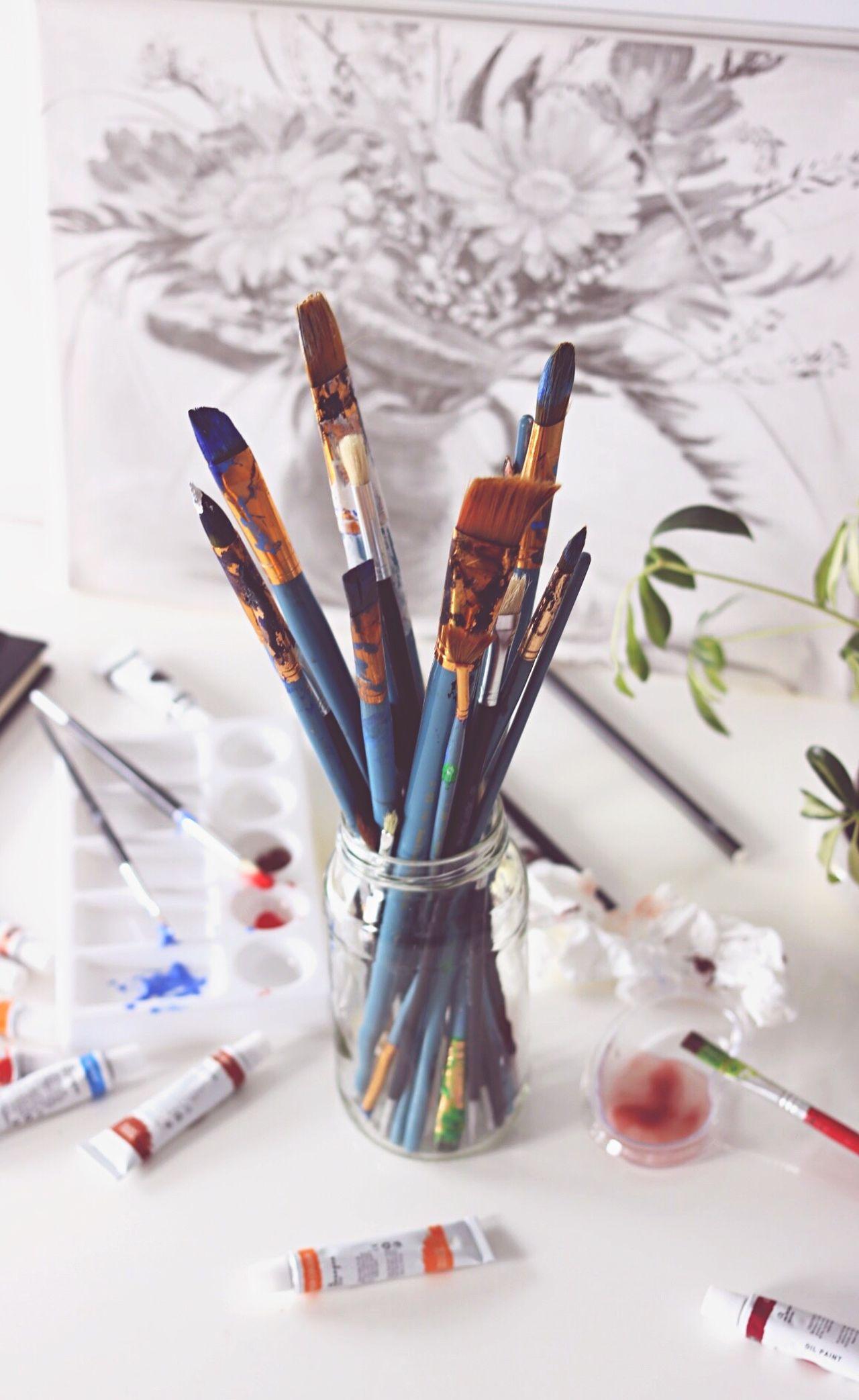 Creativity Art And Craft Paintbrush Indoors  Equipment Studio Artist Palette Education Multi Colored Art Product Desk Organizer Writing Instrument Close-up Day Art Class