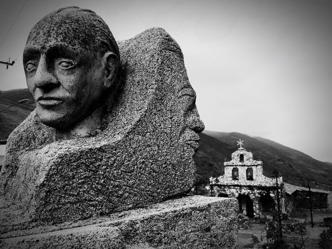 Double Face Taking Photos Bnw_edit Bnw_life Blackandwhite Photography Blancoynegro Noir Et Blanc Streetphoto_bw Iglesia Blackandwhite Check This Out Church Sculpture