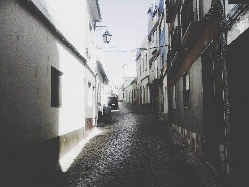 Just go and never look back... Portugaligers Portugal_em_fotos Ruas Da Cidade Street Photography