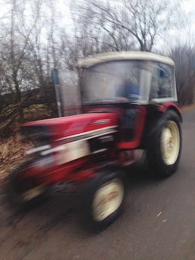 Taking Photos Traktor Fast Driver Capturing Movement