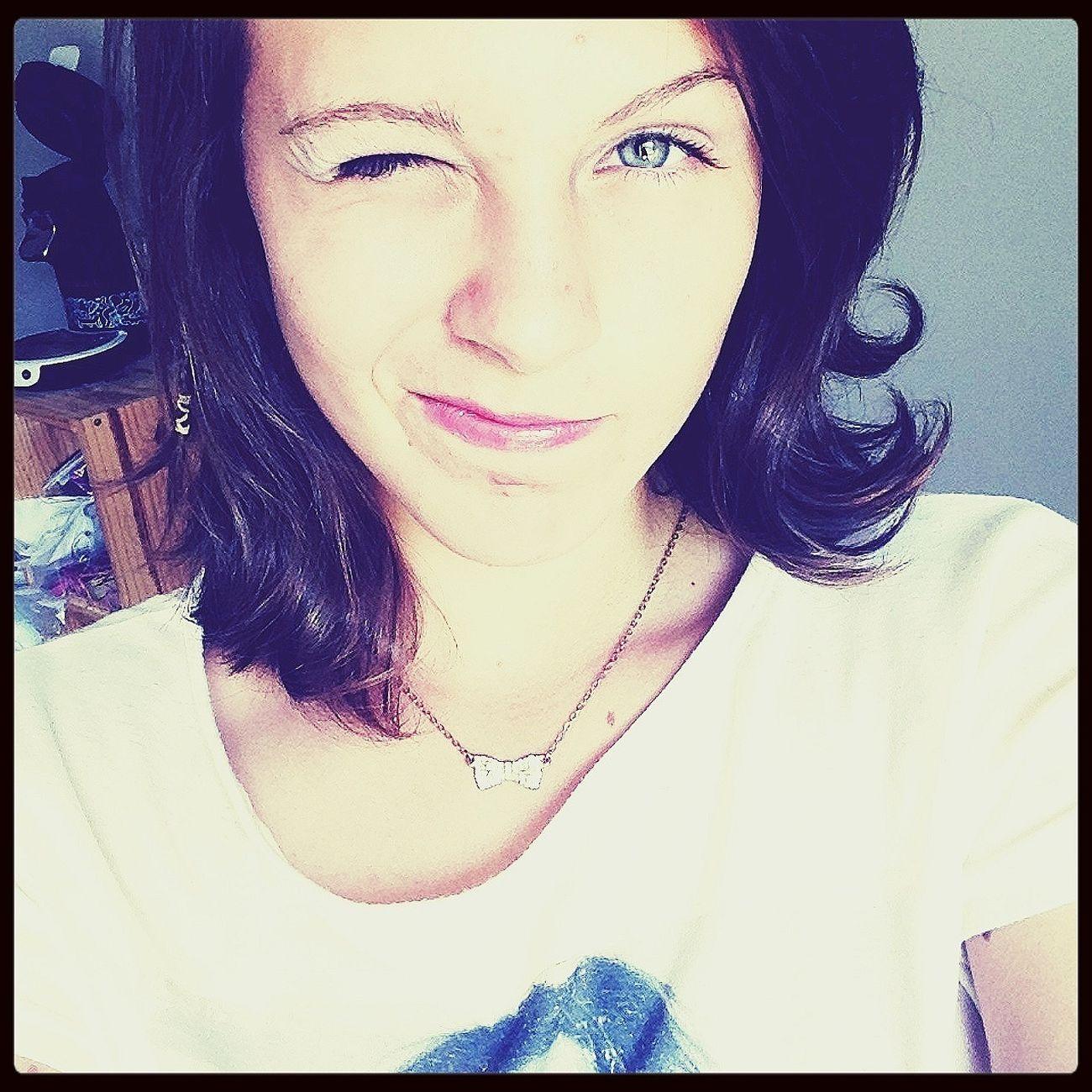 Maintenant je maudit le jour où je t'ai rencontré, j'aurais pas dû te regarder... Fashion #beautuful #hair #eyes #blue #hi #nice #cute #pink #love
