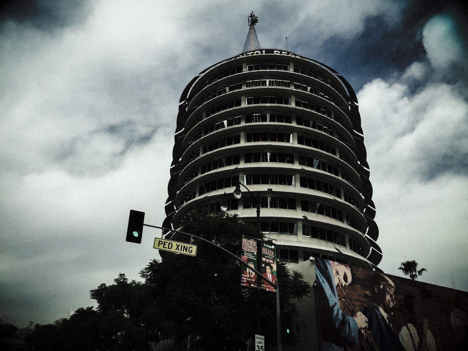 Capitol Records Bldg. Iphone6plus Los Angeles, California City Cityscape Buildings Capitol Records