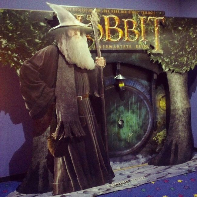 Da gehe ich jetzt rein. #CineStar #Ludwigshafen #DerHobbit #TheHobbit #Kino #Hobbit #Cinema #Kino5 Derhobbit Kino5 Cinema Ludwigshafen Kino Hobbit TheHobbit Cinestar