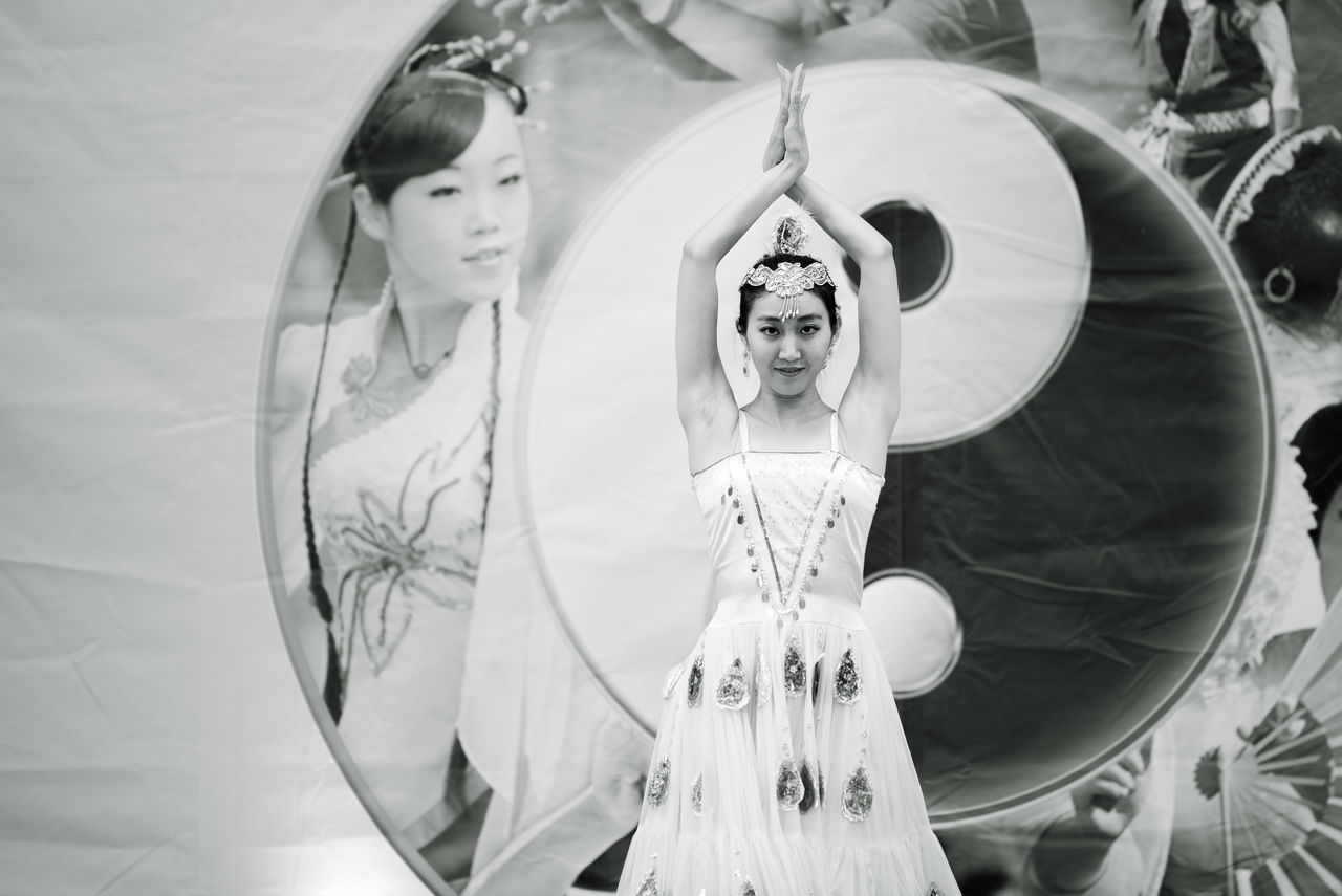 Blackandwhite Chinese Girl Dance Dance Figure Dancer Festival Dell'oriente Lifestyles Looking At Camera Oriental Portrait Showcase July Tao  Asian Culture