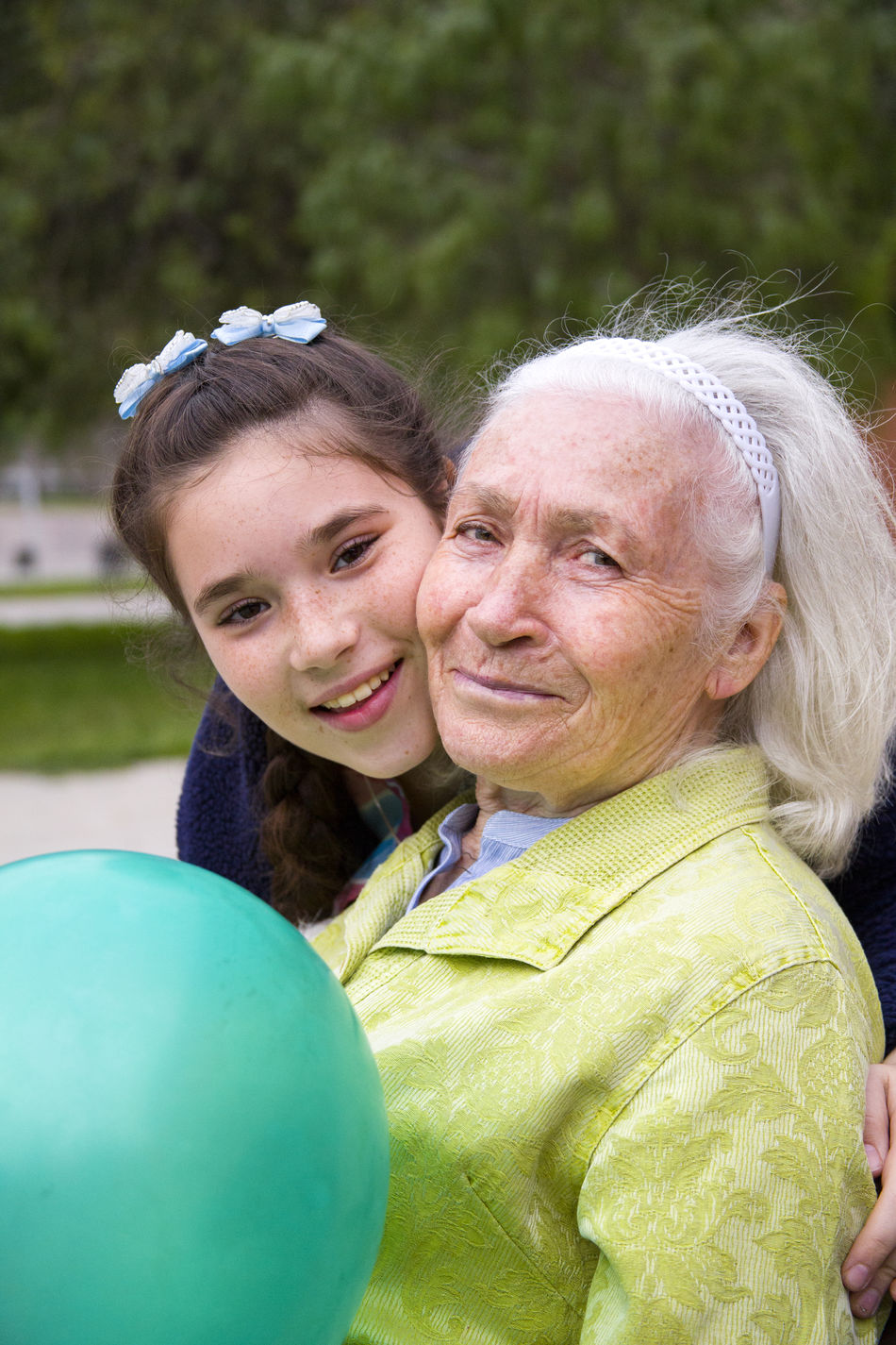 Beautiful stock photos of granny, 10-11 Years, 70-74 Years, Adult Offspring, Balloon