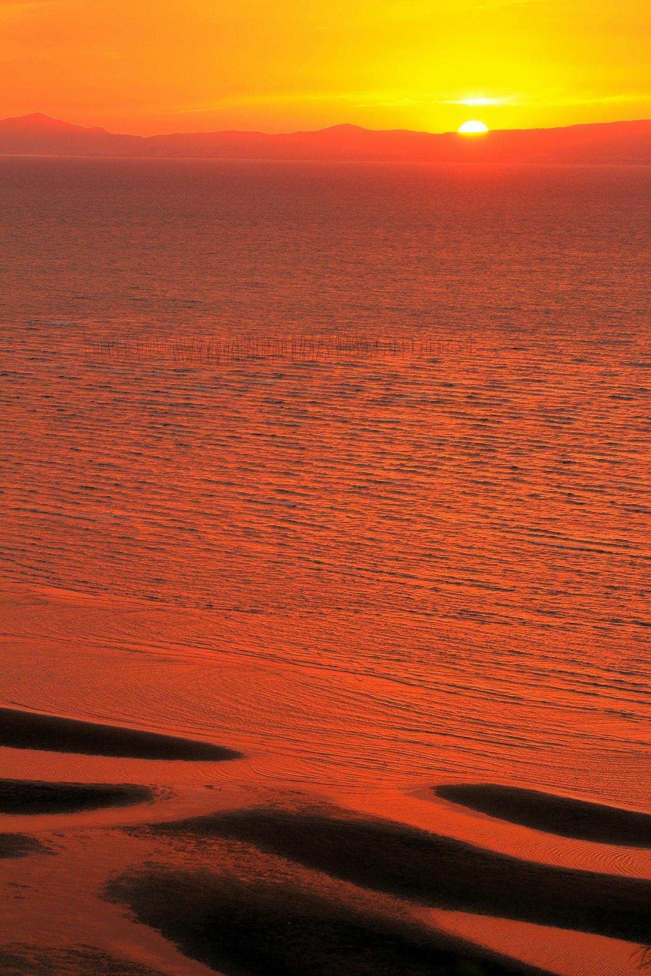 三脚固定だから代わり映えしない構図だけど……時間の経過をお楽しみください♪(*´︶`*)✿ Cloud And Sky Sky And Clouds EyeEm Best Shots - Sunset + Sunrise Sea And Sky Sunset_collection Coast Tidelands Tideland 思わず足を止めた景色♪(*´︶`*)✿ Eyeem Best Shots - Sky And Cloud
