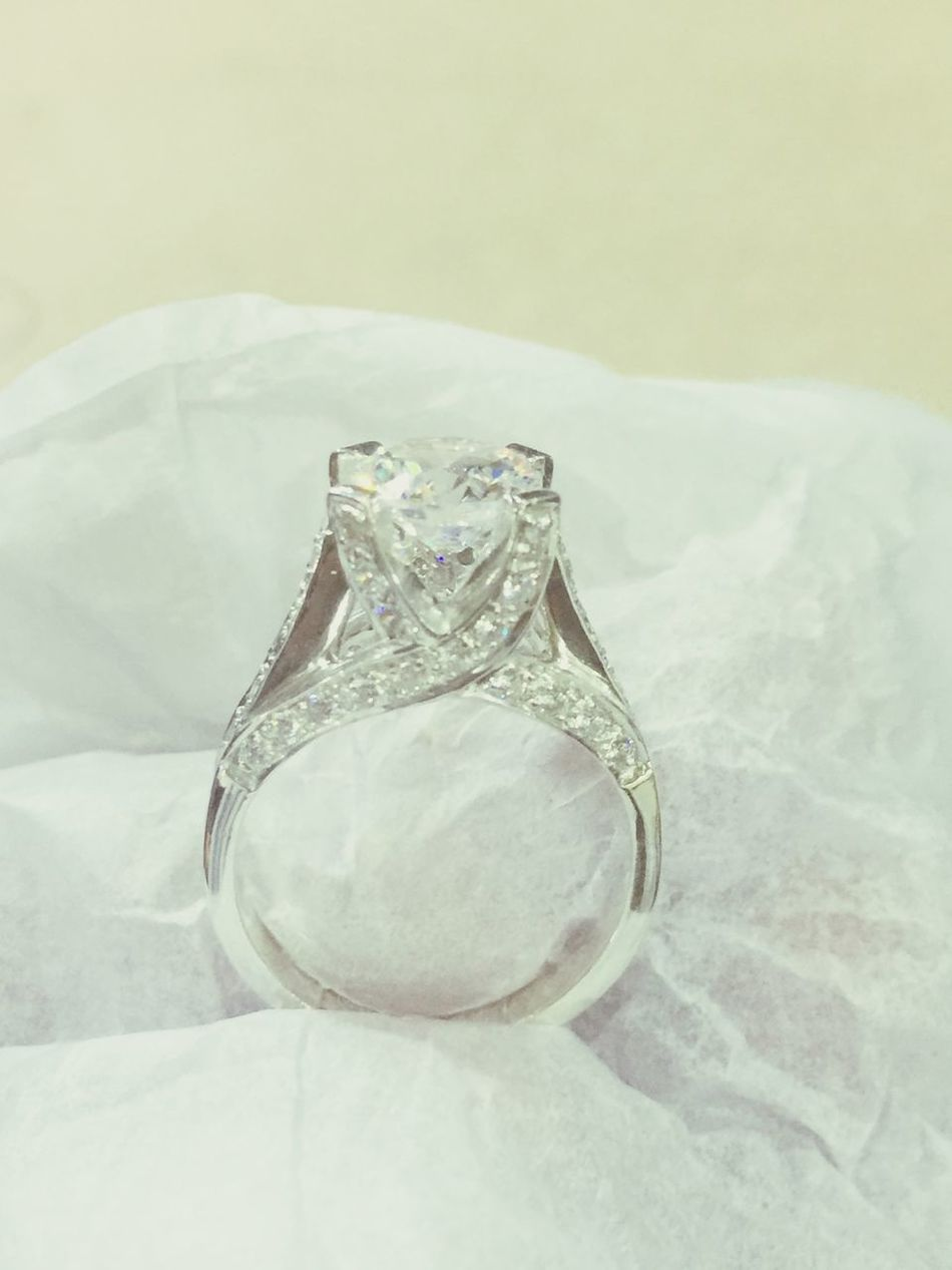 Manufacturer Office Work Diamond Solitaire Ring