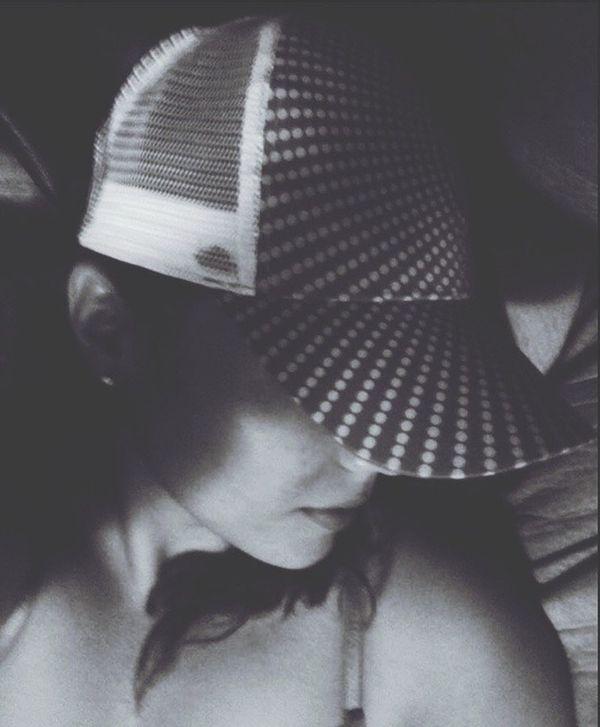 That's Me Cap Circles Woman Puertorriqueña Latina Selfie Faces Of EyeEm Black And White Points