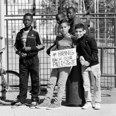 La jeunesse pour la Liberté et Sécurité pour le peuple de Palestine. @bravworld BRINGBACKOURPALESTINE - Nakba Photographie - Miloud Kerzazi -