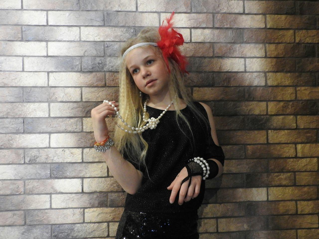 The Portraitist - 2017 EyeEm Awards EyeEmNewHere Chicago Retro Daughter Style Mafia  Blonde Nikon P900 Colors Of Sankt-Peterburg Sankt-Petersburg Russia