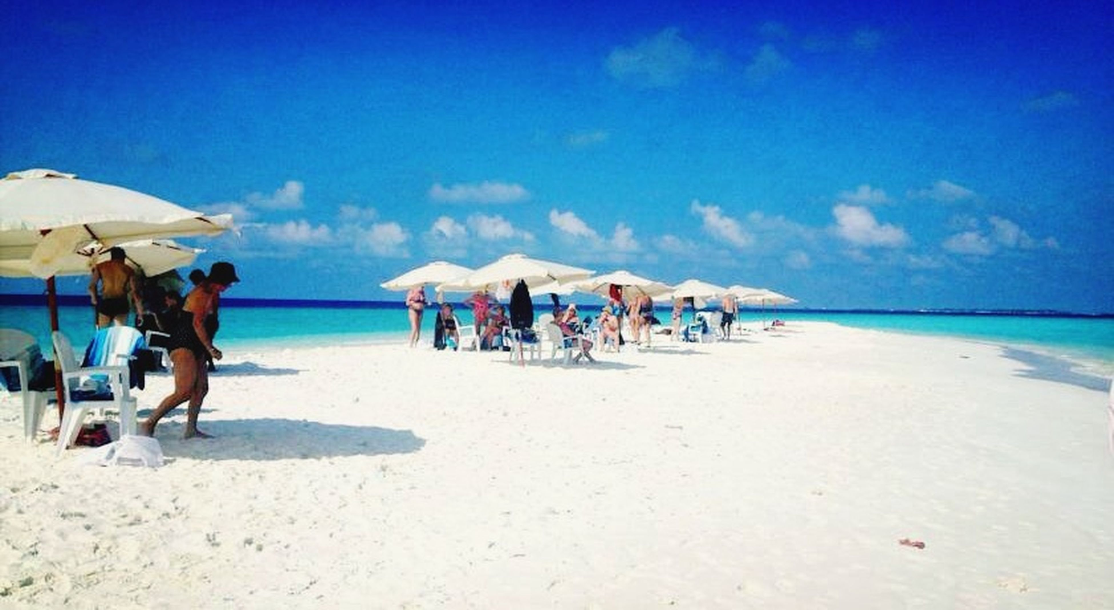 Sand bank trip ( half day or full day ) incluide with bbq lunch ... Snorkling ... www.ciarastartravel.com