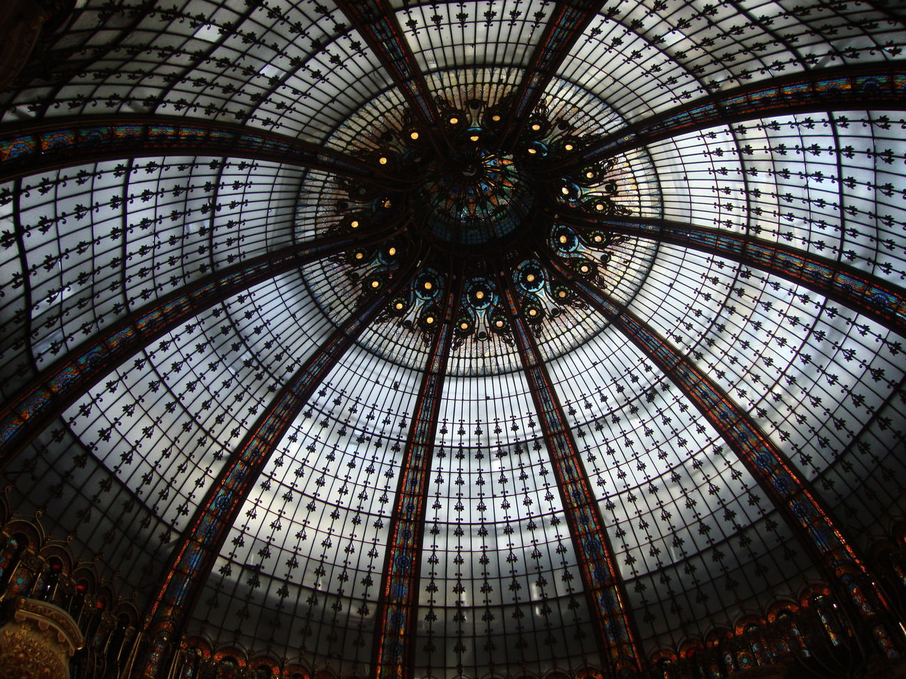 galerie lafayette...formidable Fantastic Taking Photos Enjoying Life Just Shoot.. Check This Out Enjoying Art Hello World Beautiful View Eyem Gallery Eyeemphotography Hidden Gems  Somewhere Only We Know Art Architecture Photography Artist In Action Remember This Paris Vive La France Summertime Special Moments Enjoying Time Look Up The Sky Look Up And See Beauty Inspired By Beauty First Eyeem Photo
