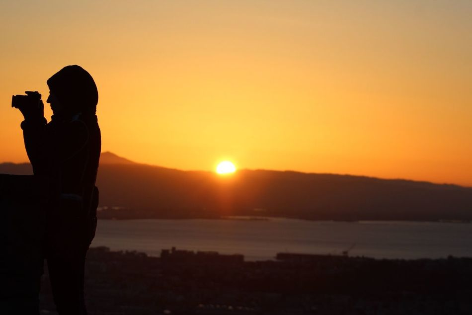 Silouette & Sky Eye4photography  Sunrise_Collection Observing The Sunrise Sunrise Silhouette Sunrise Eyemphotography Eyem Gallery San Francisco Twin Peaks Viewpoint San Francisco Bay Sunrise In San Francisco Picture Of Guy Taking Picture Sunrise...
