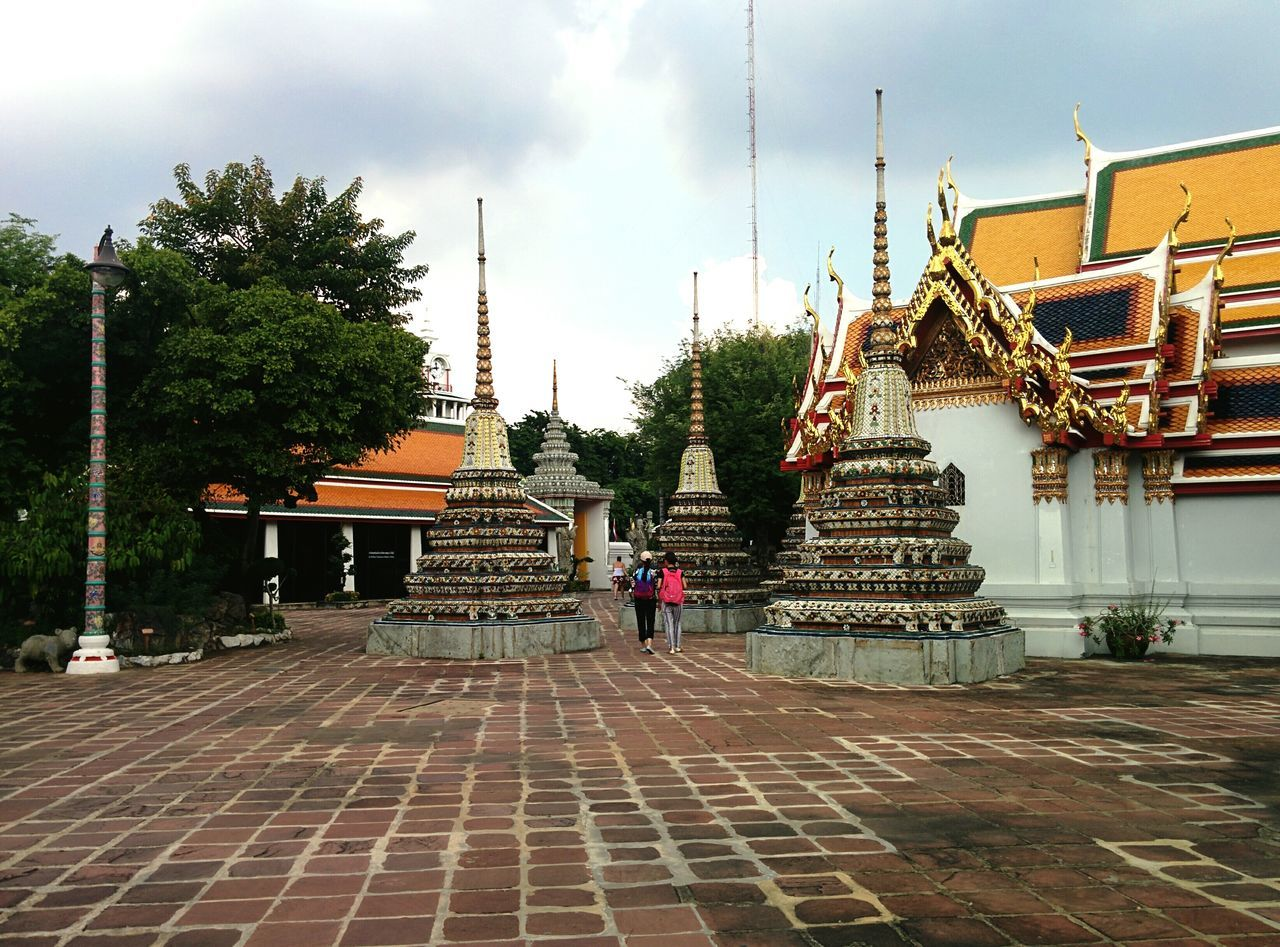 Watphotemple Bangkok Thailand Taking Photos Sawasdee World. Greatpeople Traveling Travel101