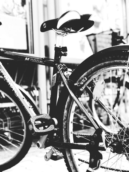 Bicycle Transportation Mode Of Transport Land Vehicle Stationary Focus On Foreground Wheel Spoke Outdoors City No People Day Tire