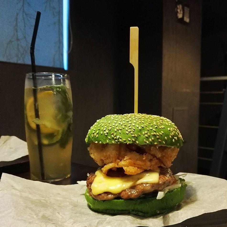 Burger Ork Warcraft зеленый варкрафтовый оркобургер