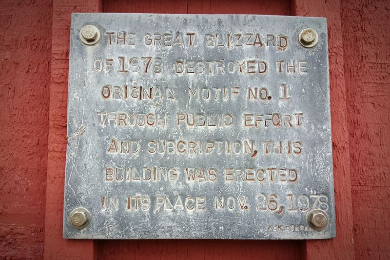 Plaque On Structure Motif 1 Rockport, Ma Usa