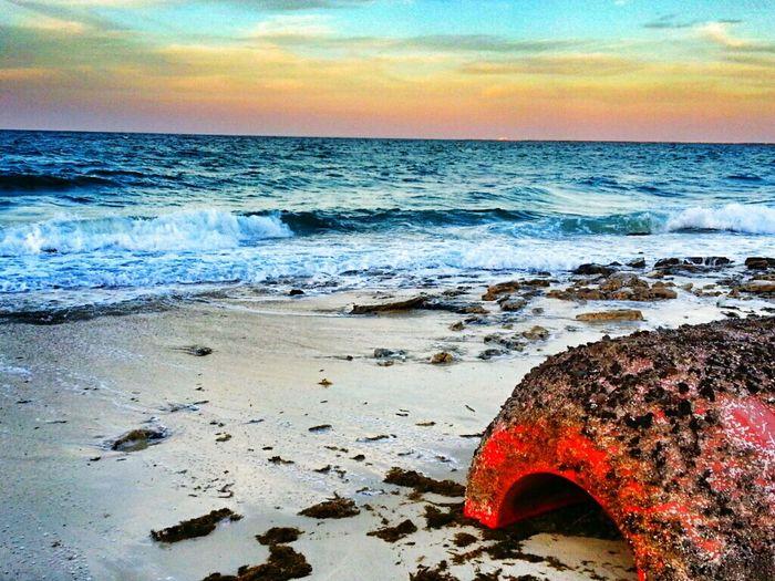 تولعت بتصانيفك .. وتعذيبك يولعني .، وعلى اي حال راضي بك شمس العمر وانواره Aljubail AlJubail Beach. With My Friends Beach Clouds And Sky Rainy Days الجبيل المارينا