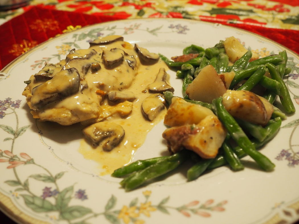 Better View Chicken Marsala Close-up Food Food And Drink No People Plate Ready-to-eat Serving Size Single Dad Sharing Food Food Photography Dinner Plate Of Food Home Cooking