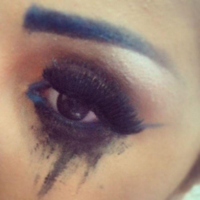 Dirty_makeup Maccosmetics Makeup Black eyeliner fake eyelashes blue eyebrows love drama