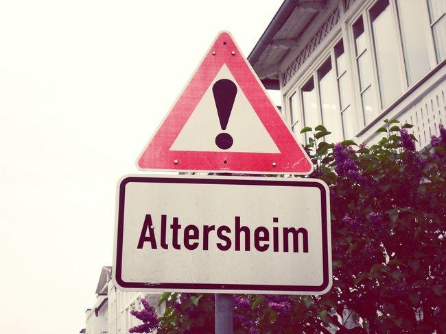 Verkehrszeichen Verkehr Vorsicht
