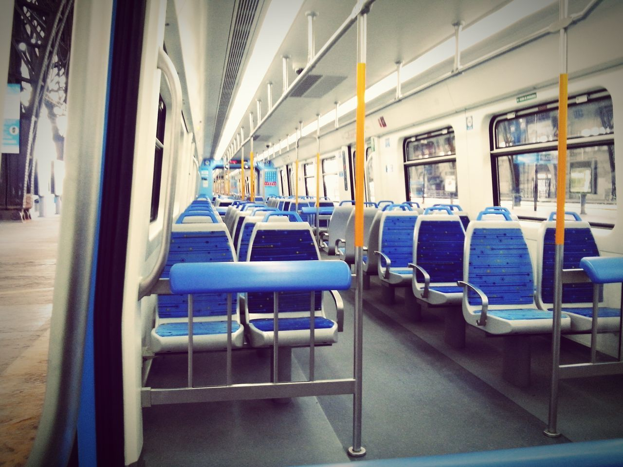 That's an empty and very clean train 🚉, hehe Happy Clean Place Train Station Empty Sunday Afternoon