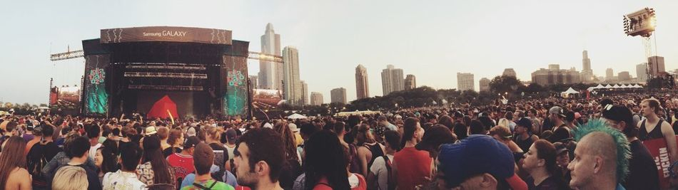 Outkast, blue moehawk, and the Sears Tower. Chicago Lollapalooza Concert OutKast