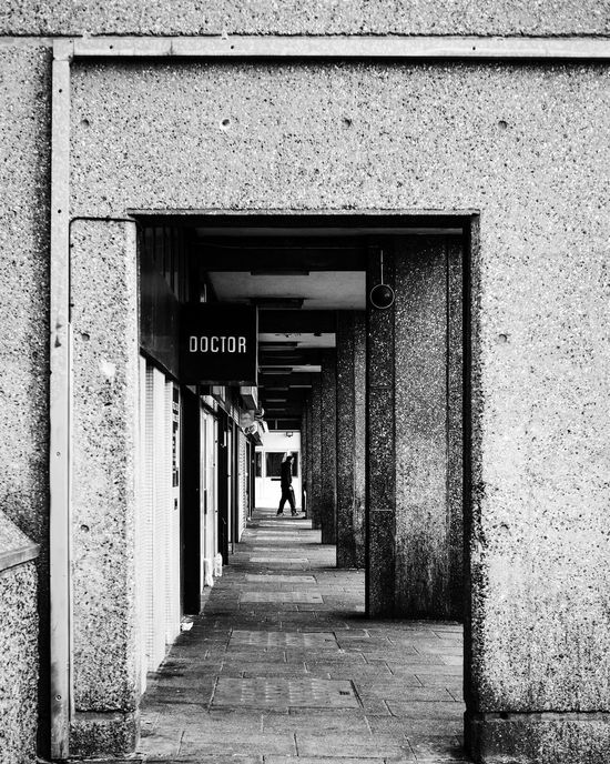 To infinity Streetphotography Up Close Street Photography Trellick Tower Black & White Architecture