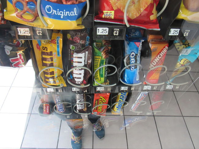 Candy Machine Feet Abundance Arrangement Choice Collection Floor Tiles Food And Drink Food And Snacks For Sale Freshness Glass Reflection Large Group Of Objects Multi Colored Order Reflection Retail  Retail Display Sale Text Unhealthy Eating Variation Chips Chocolate Vanila Tasty Pleasure Food