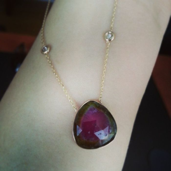 Kim turmalin sever? Who loves Tourmaline ? Gem Gemstone  Diamond Necklace Kolye