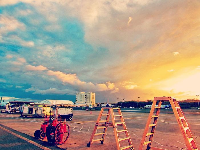 Colorful Sky Honolulu Airport Amazing View Clouds Peace And Quiet