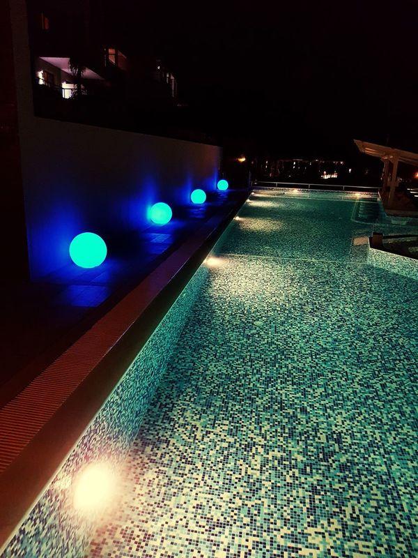 Night Illuminated No People Sky Water Sea Outdoors Nightlife Blue Swimming Pool Luxury Greece Style Samsung Galaxy S7 Edge Foto