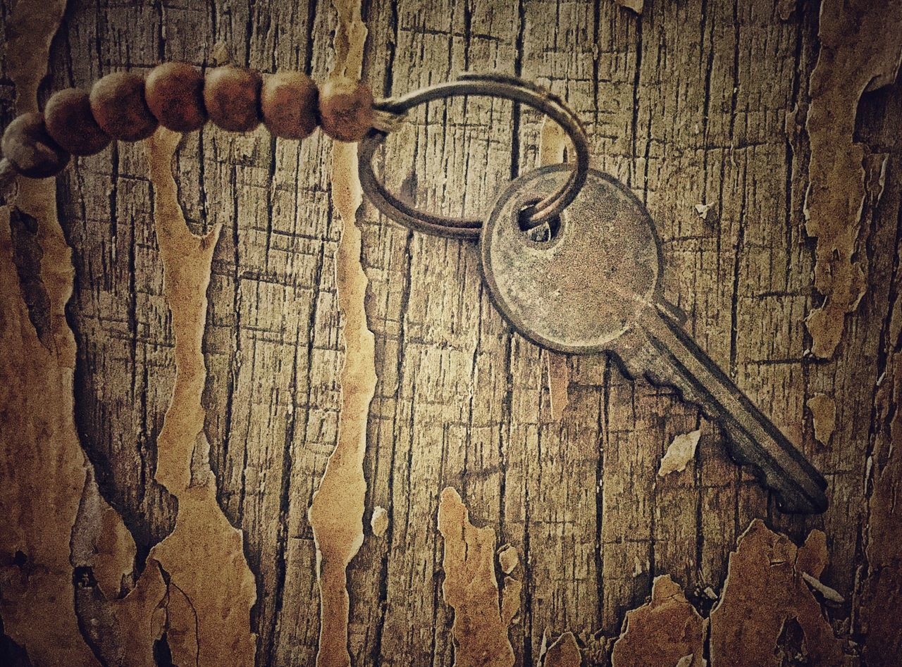 wood - material, no people, old-fashioned, key, hanging, close-up, day, indoors