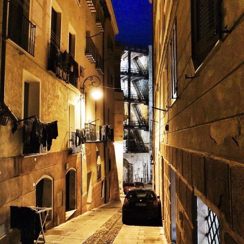 il ventre dell'elefante. Getting Inspired EloediLo OpenEdit Cagliari Sardegna Ancient Tower Casteddu Sardinia Wandering Around Castello Street Photography Light And Shadow
