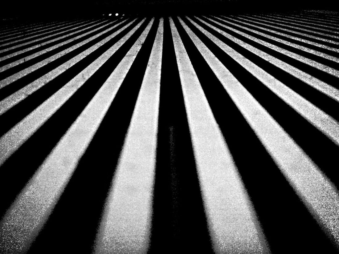 """""""Art Of Simplicity"""" by. edemirbarrosfotografi First Eyeem Photo Abstractart Peace And Quiet New York Buildings EyeEmBestPics Artistic Expression Art, Drawing, Creativity Monochrome Shadows Art Is Everywhere Photography NYC Street Photography Light And Shadow Chasingdreams Train Station Eyem Gallery Celing Art Ilovephotography New York City Black And White Stand Out From The Crowd In My Zone Subway Station Artistic Eye4photography"""