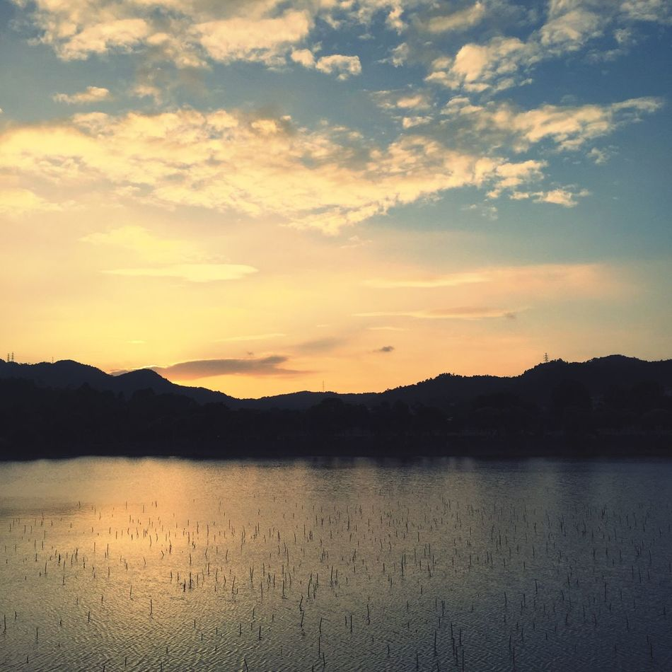 Just another sunset that breaks my heart Sunset Lake China Zhuhai Sun Yat-sen University Guangdong Water Sky And Clouds Mountains Nature Landscape Landscape_photography
