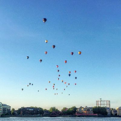 Balloons over Wapping