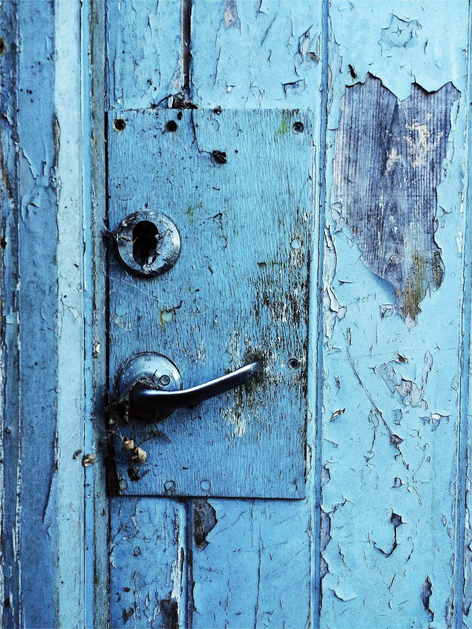 door, closed, wood - material, protection, close-up, safety, old, blue, door handle, no people, latch, outdoors, full frame, day, old-fashioned