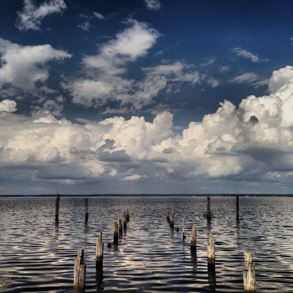 Lake Monroe- central Florida Sunset #sun #clouds #skylovers #sky #nature #beautifulinnature #naturalbeauty #photography #landscape My Smartphone Life Nature_collection Florida