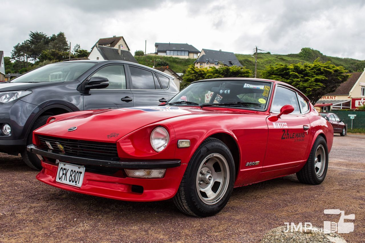 Great looking 260z. I'm posting daily (cars) picture, subscribe to see more ! 🚗 Nissan 240Z Nissan240z Datsun 260z Redcar Red Racecar Jdm Japan Japan Cars