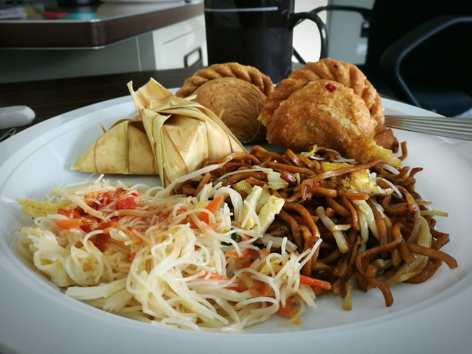 Food Currypuff Noodles Tapai Sardines Chickens