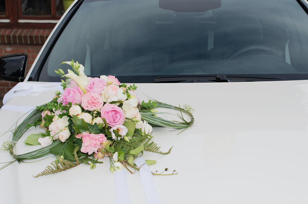 Design of bridal car - Carnival For Wedding Car Or Bridal Car For Wedding Arrangement Bonnet Bouquet Bridal Car Bride And