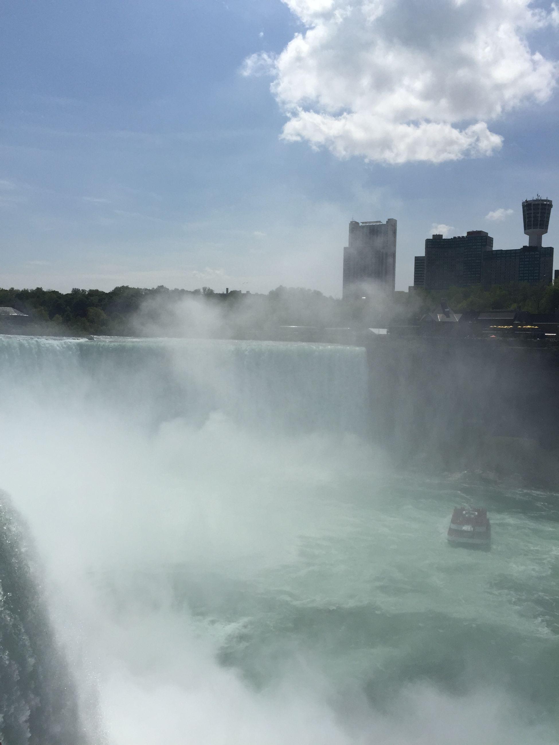 Niagara Falls NY Hanging Out وسط امواج نياجرا فولز Waterfall Scenery