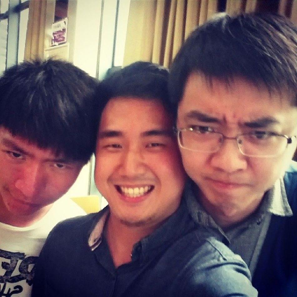 狰狞表情传染 朋友是最大的财富.